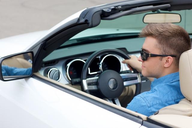 ハワイレンタカーは21歳から!でもヤングドライバーフィーに注意・・・ 【ハイドライブ